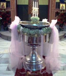 Γυψοφύλλη σε γυρλάντα βάπτισης