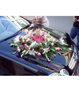 Στολισμός Αυτοκινήτου Γάμου με Δίχρωμα Τριαντάφυλλα