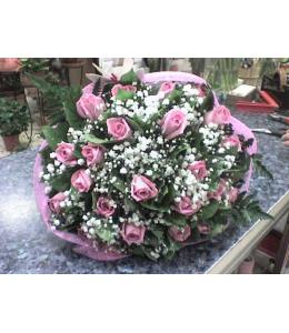 Μπουκέτο ρόζ με τριαντάφυλλα