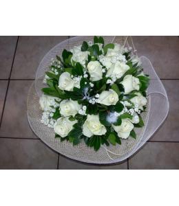 Μπουκέτο με λευκά τριαντάφυλλα