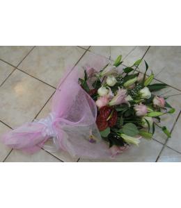Λευκό και ρόζ ανθοδέσμη