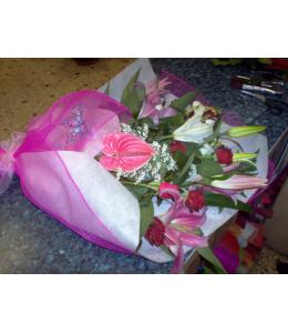 Ανθοδέσμη εντονο ρόζ με φούξια δύχτι