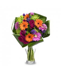 Σύνθεση λουλουδιών σε βάζο.