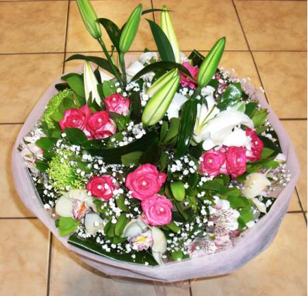 Τριαντάφυλλα Εντζόι σε Μπουκέτο Εποχής