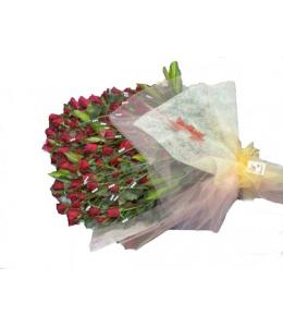 Τριαντάφυλλα Κόκκινα.  Σύνθεση μονο με 100 Κόκκινα Τριαντάφυλλα