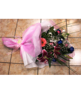 Ανθοδέσμη με Τριαντάφυλλα Μπλέ και Οριεντάλ