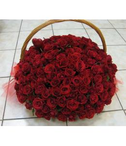 200 Τριαντάφυλλα κόκκινα σε καλάθι