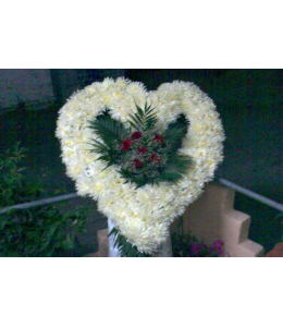 Heart – shaped funeral wreath