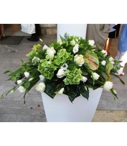Στολισμός Γάμου Εξωτερικού Διαδρόμου Εκκλησίας με Τριαντάφυλλα και Λυσίανθο