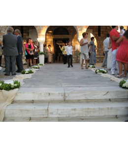 Wedding Decoration of the Church's Exterior Aisle with White Roses