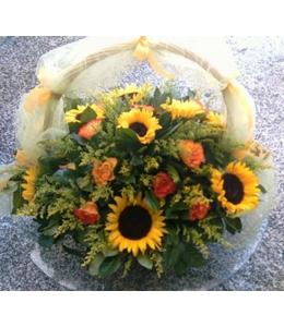 Καλάθι με Ήλιους και Τριαντάφυλλα Πορτοκαλί