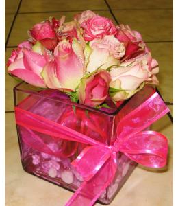 Μπουκέτο με Ρόζ Τριαντάφυλλα μέσα σε Ζελέ