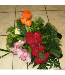 Flower Arrangement with Red Roses