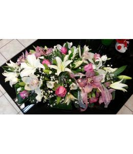 Επιτραπέζια κατασκευή λουλουδιών