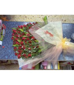 Τριαντάφυλλα κόκκινα 100 σε ανθοδέσμη του πάθους