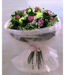 Τριαντάφυλλα φούξια και σαμπανί σε μπουκέτο