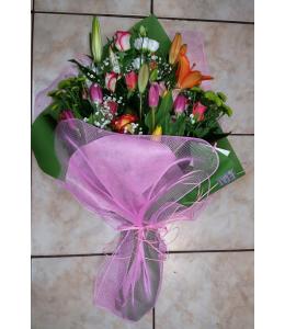 Bouquet in orange and fuchsia colors