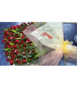 Τριαντάφυλλα Κόκκινα Σύνθεση μονο με 100 Κόκκινα Τριαντάφυλλα