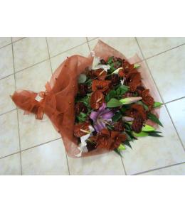 Ανθοδέσμη ερωτική κόκκινα λουλούδια