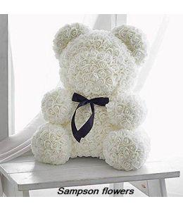 Αρκουδάκι με τριαντάφυλλα