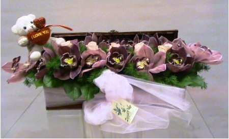 Flower arrangement with orchid