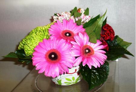 Κατασκευή Λουλουδιών με Ζέρμπερα Ροζ