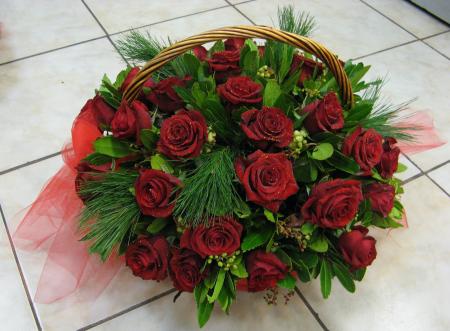 Κόκκινα τριαντάφυλλα αγάπης και ερωτα.